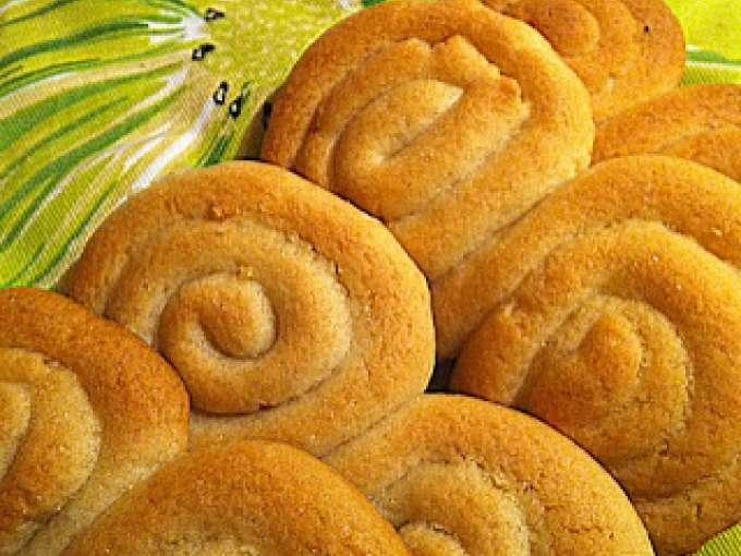 Pupi siciliani e biscotti pupi i meli ricetta petitchef for Ricette dolci siciliani