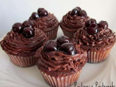Ricetta Chocolate cherry cupcakes