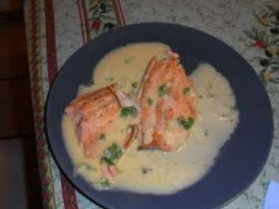 Ricetta Filetti di trota salmonata in salsa agreste