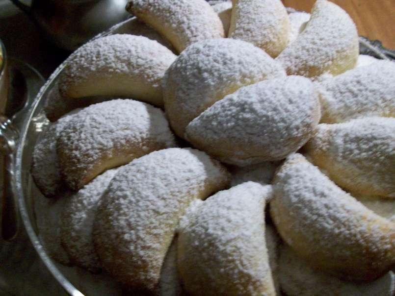 Biscotti Di Natale Con Marmellata.Biscotti Morbidi Con Ripieno Di Marmellata