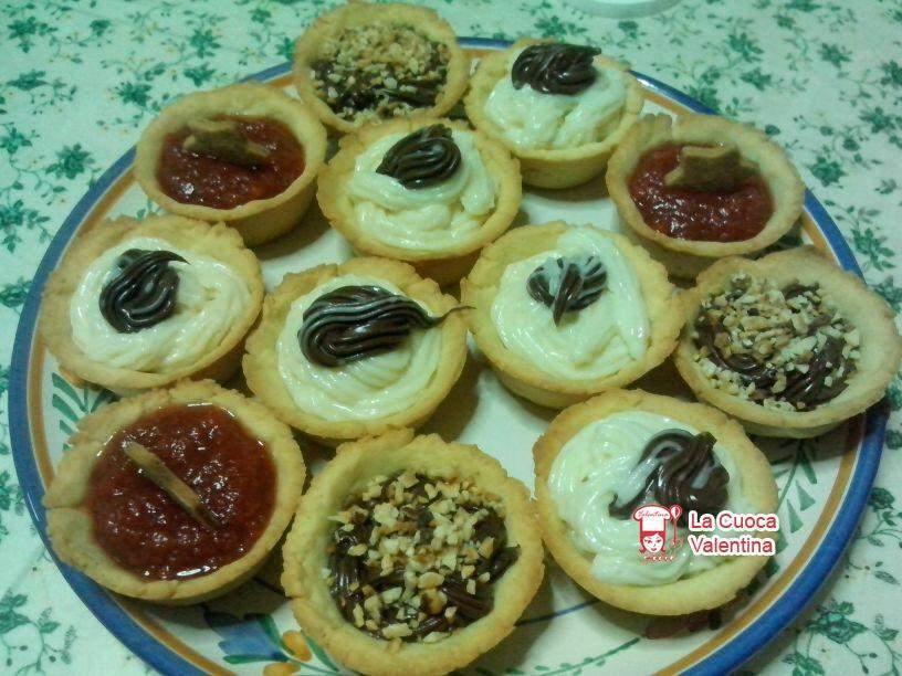 Cestini Di Pasta Frolla Con Marmellata Nutella E Crema Pasticcera Ricetta Petitchef