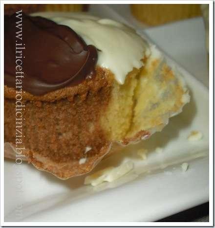 Cup cakes bianchi e neri ricetta petitchef - Piatti bianchi e neri ...