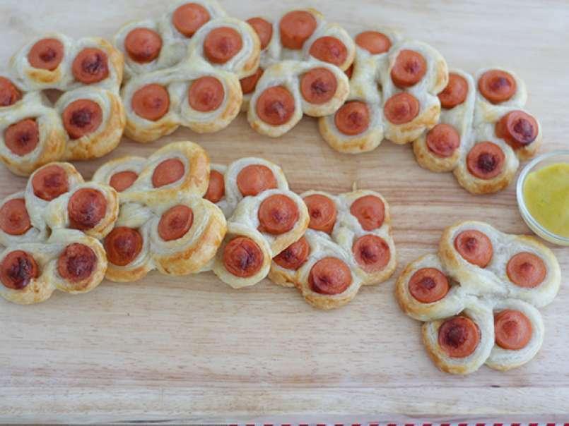 Fiori di sfoglia con Wurstel , Ricetta facile e gustosa, foto 4
