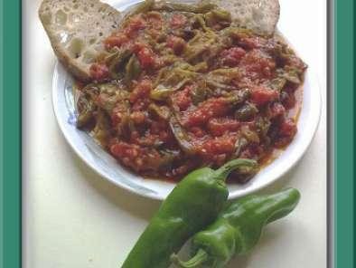 Friggitelli al pomodoro ricetta petitchef for Cucinare friggitelli