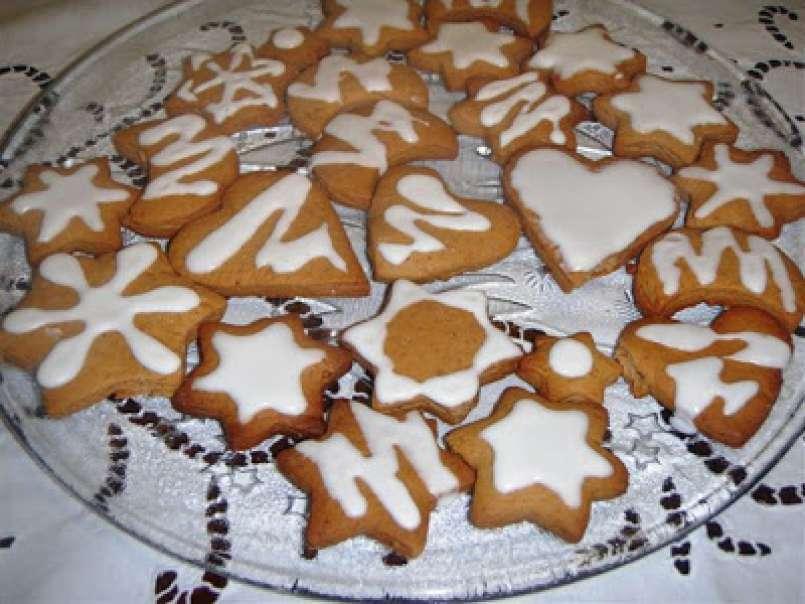 Biscotti Allo Zenzero Di Natale.La Bancarella Dei Dolci Di Natale Biscotti Al Miele Ed Allo