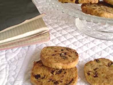 Biscotti ai pomodori secchi, pistacchi e pecorino