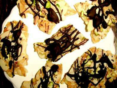Croccante di mandorle con pistacchi e cioccolato fondente e GRAZIE