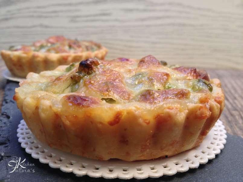 Ricetta Pasta Frolla Per Quiche.Mini Quiche Di Frolla Salata Con Piselli Wurstel E Mozzarella Ricetta Petitchef