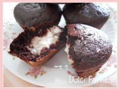 Muffins Al Cioccolato Con Ripieno Al Cocco