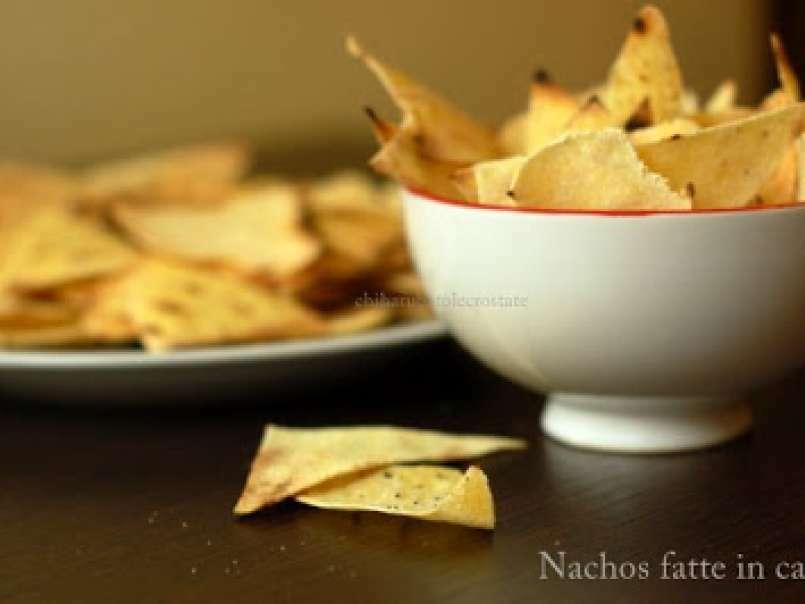 Ricetta Nachos Con Formaggio E Fagioli.Nachos Con Formaggio E Fagiolata La Tavola Si Fa Messicana Ricetta Petitchef