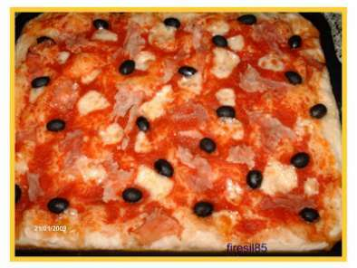 Pizza in ciotola Tupperware: per chi non sa fare la pizza!
