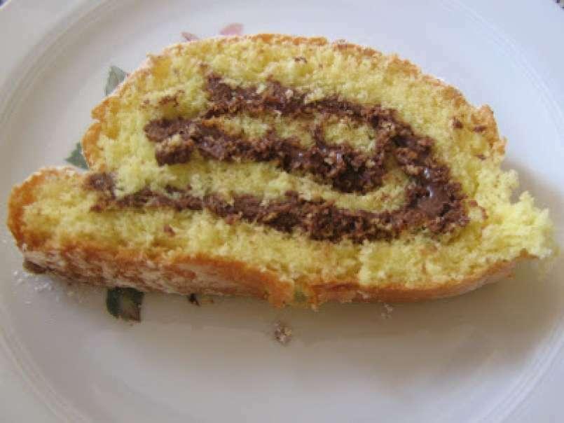 Ricetta Pan Di Spagna Rotolo.Rotolo Di Pan Di Spagna Con La Nutella Ricetta Petitchef