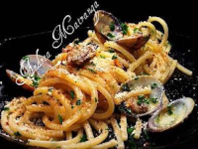 Spaghetti Alla Chitarra Con Vongole Bottarga Di Pesce Spada E