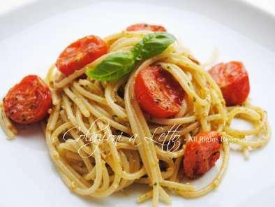 Spaghetti con pesto di capperi e pomodorini al forno 7097a603fe8d