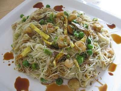 Ricetta Noodles Di Soia.Spaghetti Di Riso Saltati Con Verdure E Salsa Di Soia Ricetta Petitchef
