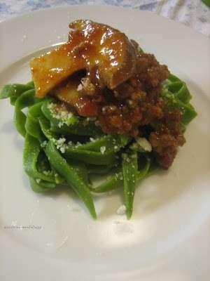 Tagliatelle verdi al ragu 39 di funghi ricetta petitchef for Cucina australiana