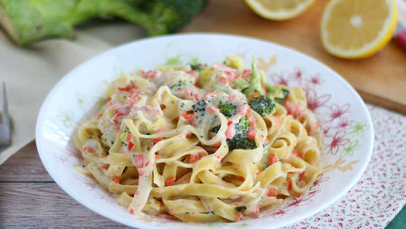 One pot pasta - Tagliatelle Broccoli e salmone